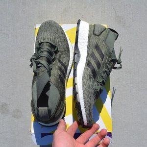 Mens Adidas PureBOOST Size 10 Brand New